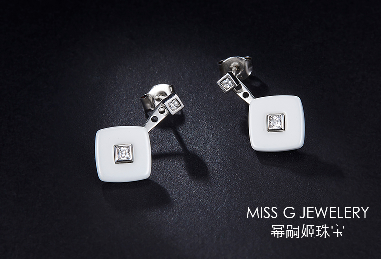 S925银镶嵌锆石耳环