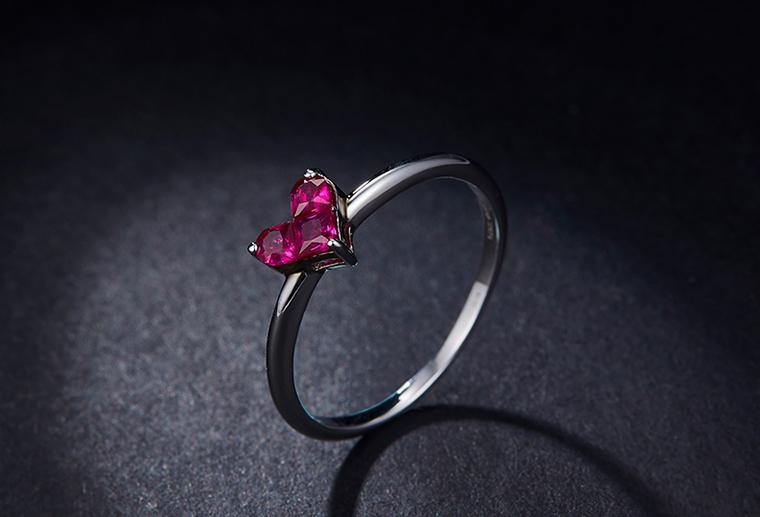 S925银饰戒指心型红宝石时尚流行送爱人送女朋友首饰厂家定制
