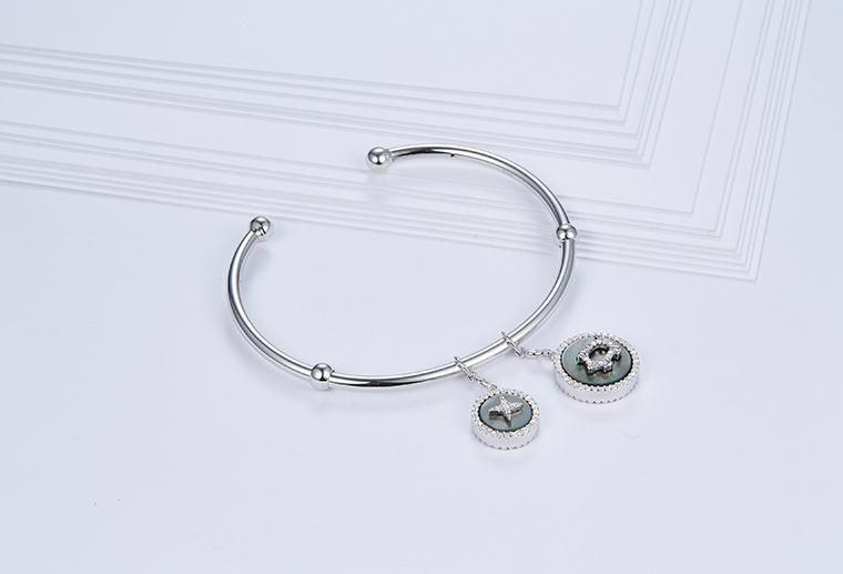 S925纯银开口小猪星星手镯 广州MISSG珠宝加工定制 OEM/ODM来图来样首饰品