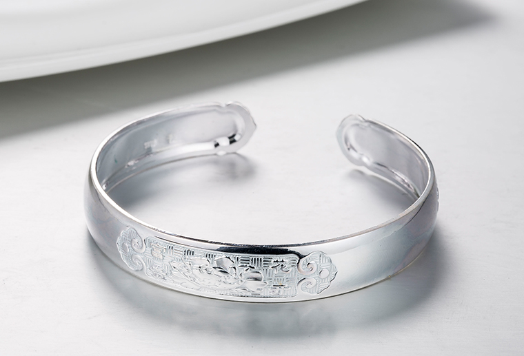 S999雕花刻字纯银手镯 广州MISSG珠宝厂家批925纯银戒指欧美时尚银饰定制代加
